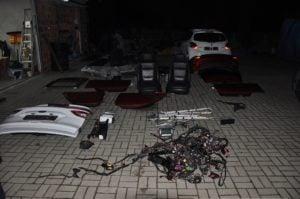 dziupla samochodowa fot. kpp turek 3 300x199 - Turek: Dwa odzyskane samochody i zlikwidowana dziupla samochodowa