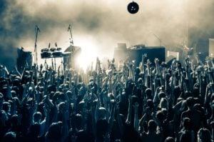 koncert rockowy1 fot. art. sponsorowany 300x199 - Tych imprez nie możesz przegapić – sprawdź, co będzie się działo w lutym w Poznaniu