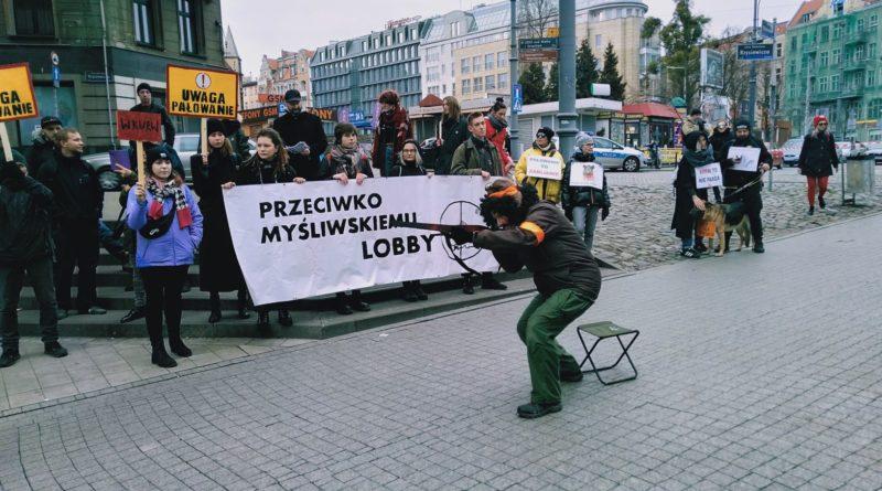 lex ardanowski protest poznan 5 800x445 - Poznań: Lasy wolne od myśliwych!