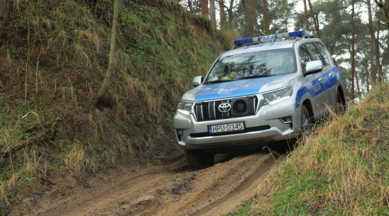 nowe samochody fot. policja 800x445 - Poznań: Nowe samochody dla policji wodnej
