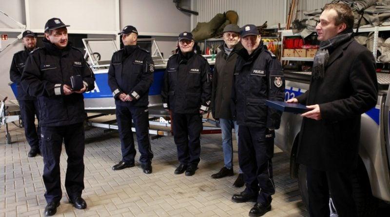 nowy sprzet od miasta 5 fot. policja 800x445 - Poznań: Policyjni wodniacy mają nowy sprzęt. Od władz miasta