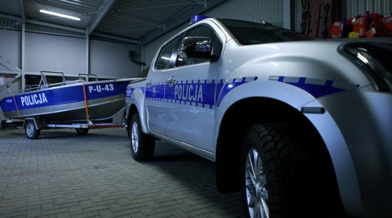 nowy sprzet od miasta fot. policja 800x445 - Poznań: Policyjni wodniacy mają nowy sprzęt. Od władz miasta