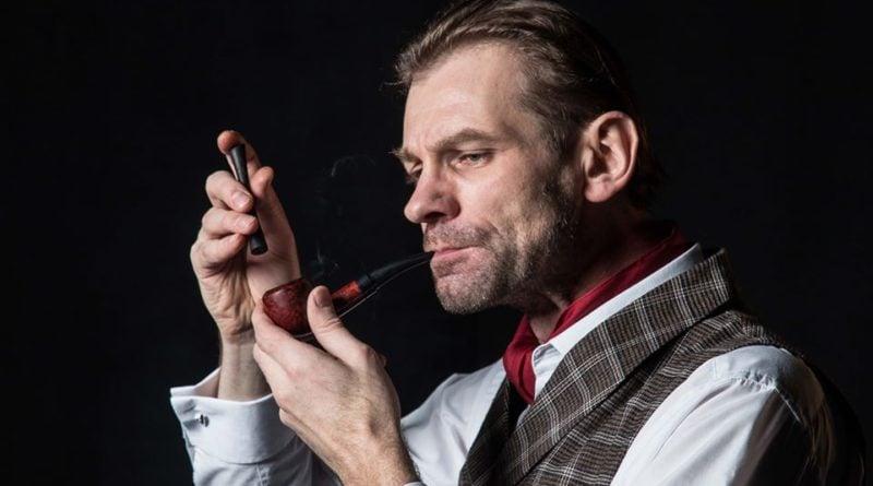 Sherlock Holmes fot. Teatr U Przyjaciół