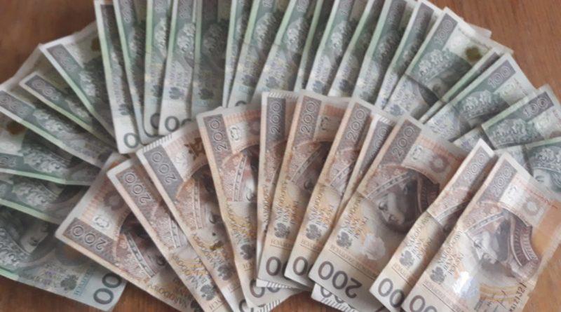 skradzione pieniądze fot. KPP Piła