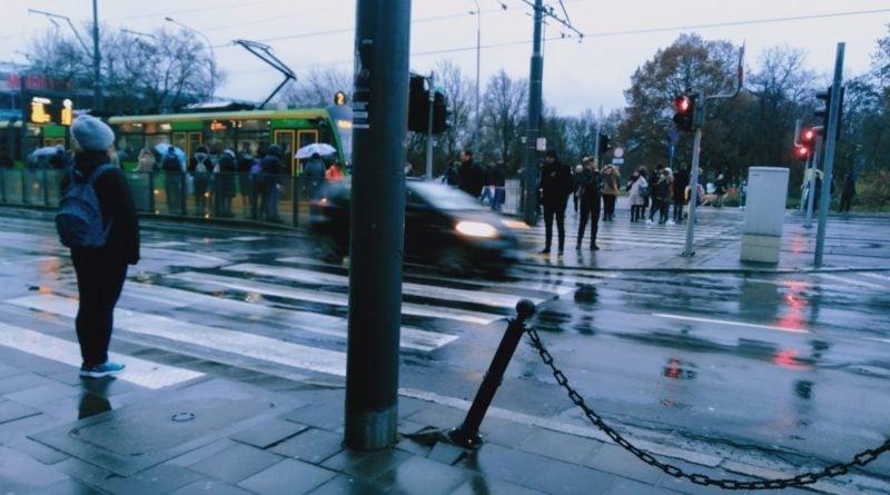 Poznań: Historia jednego słupka, czyli jak poznaniacy walczą o przejścia dla pieszych