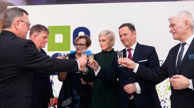 spotkanie noworoczne u 3 fot. powiat poznanski 800x445 - Poznań: Starosta poznański wręczył nagrody