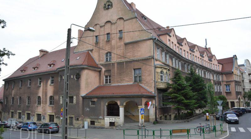 Szkoła przy Różanej 3 fot. PIM
