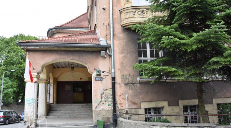 szkola przy rozanej fot. pim 800x445 - Poznań: Szkoła przy Różanej idzie do remontu!