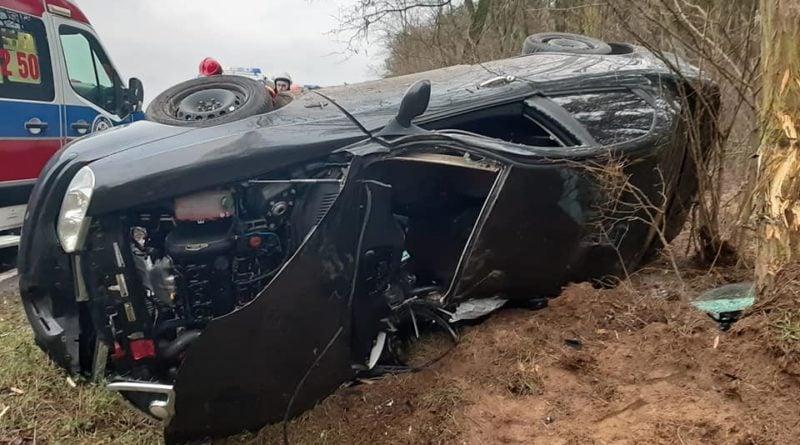 wypadek 2 fot. osp osieczna 800x445 - Osieczna: Wypadek na drodze do Bojanic