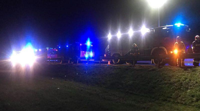 wypadek 3 fot. osp wasowo 800x445 - Wąsowo: Ciężarówka z bentleyami przewróciła się na A2