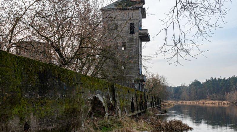 zapomniany port na warcie w czerwonaku fot. slawek wachala 1236 800x445 - Czerwonak: Historia, tajemnice i niesamowite  krajobrazy