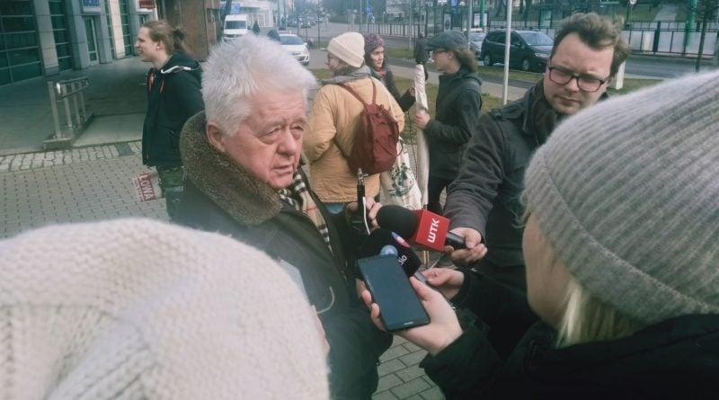 demonstracja w sprawie drzew 6 800x445 - Poznań: Społecznicy demonstrowali w obronie drzew. przed Atanerem