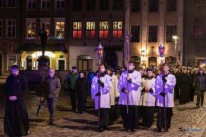 droga krzyzowa fot. slawek wachala 9649 300x200 - Poznań: Przez centrum miasta przeszła Centralna Droga Krzyżowa