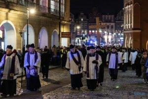 droga krzyzowa fot. slawek wachala 9670 300x200 - Poznań: Przez centrum miasta przeszła Centralna Droga Krzyżowa