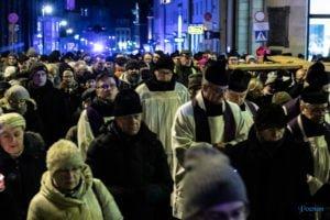 droga krzyzowa fot. slawek wachala 9706 300x200 - Poznań: Przez centrum miasta przeszła Centralna Droga Krzyżowa