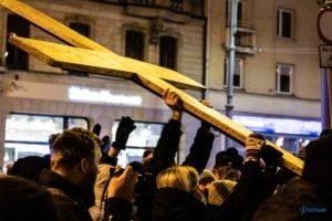 droga krzyzowa fot. slawek wachala 9712 300x200 - Poznań: Przez centrum miasta przeszła Centralna Droga Krzyżowa