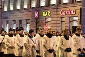 droga krzyzowa fot. slawek wachala 9726 300x200 - Poznań: Przez centrum miasta przeszła Centralna Droga Krzyżowa