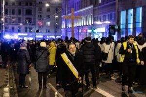 droga krzyzowa fot. slawek wachala 9732 300x200 - Poznań: Przez centrum miasta przeszła Centralna Droga Krzyżowa