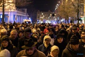 droga krzyzowa fot. slawek wachala 9763 300x200 - Poznań: Przez centrum miasta przeszła Centralna Droga Krzyżowa