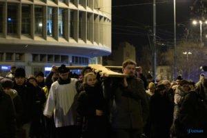 droga krzyzowa fot. slawek wachala 9776 300x200 - Poznań: Przez centrum miasta przeszła Centralna Droga Krzyżowa
