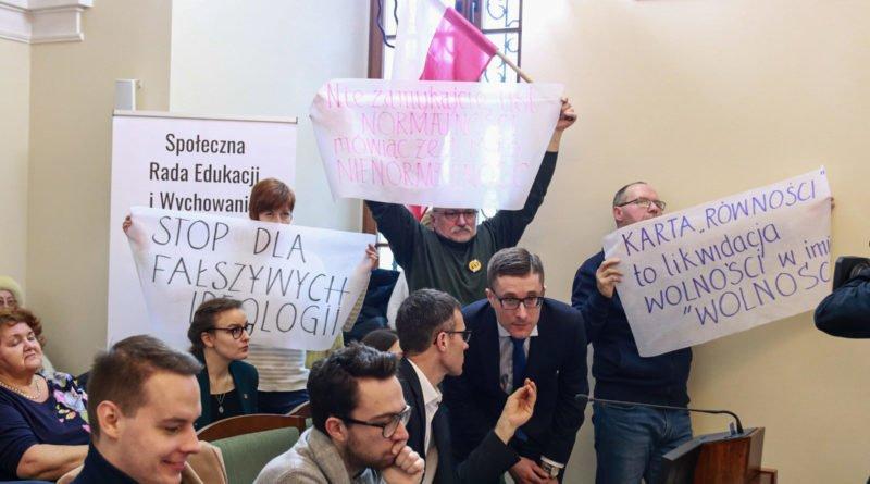 europejska karta rownosci fot. slawek wachala 3 800x445 - Poznań: Karta Równości Kobiet i Mężczyzn uchylona przez sąd