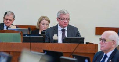 """jacek jaskowiak fot. slawek wachala 390x205 - Poznań: Jacek Jaśkowiak: """"Przepisy, które rząd chciał przepchnąć kolanem, nie były przemyślane"""""""