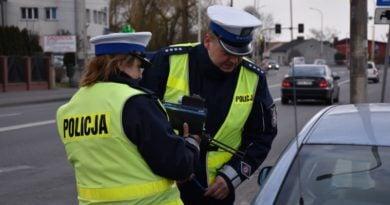 kontrola 2 fot. policja 1 390x205 - Wielkopolska: Policjanci kontrolowali kierowców.Prawie 1000 wykroczeń!