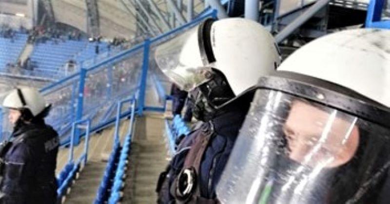 lech lechia 3 - Poznań: Zatrzymani kibice, którzy ukradli oprawę Lechii