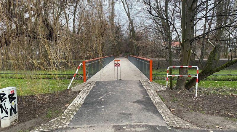 Poznań: Koniec z barierkozą w parku Wodziczki!