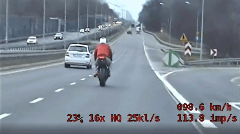 motocyklista fot. policja