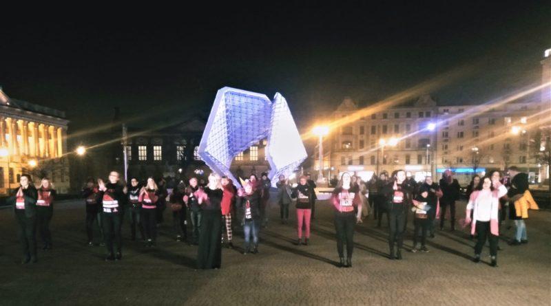 nazywam sie miliard 2020 2 800x445 - Poznań: Dziewczyny zatańczyły przeciwko gwałtom