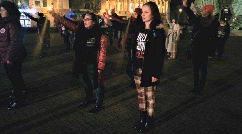 nazywam sie miliard 2020 4 800x445 - Poznań: Dziewczyny zatańczyły przeciwko gwałtom