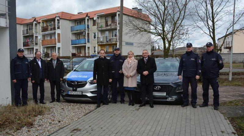 nowe radiowozy 6 fot. policja 800x445 - Konin: Policjanci z Goliny i Konina mają nowe samochody