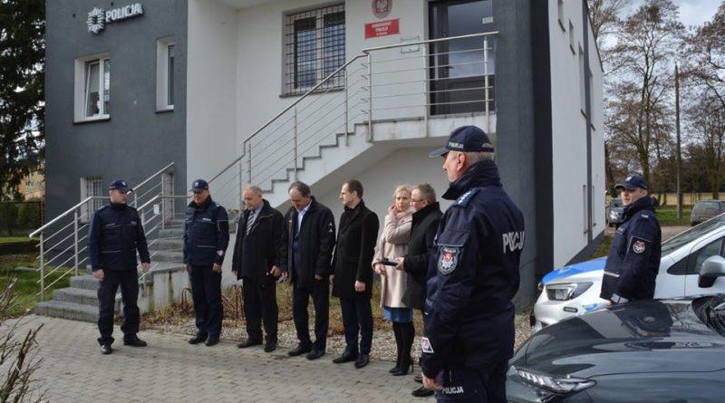 nowe radiowozy fot. policja 800x445 - Konin: Policjanci z Goliny i Konina mają nowe samochody