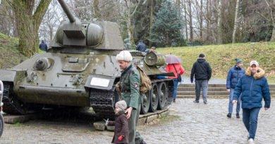 Poznań: Czołgi i sztuka, czyli nowa wystawa w Muzeum Uzbrojenia