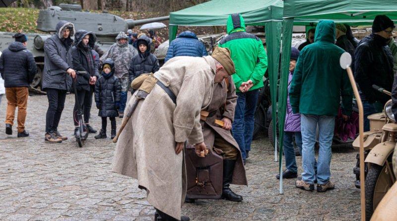 piknik militarny 1945 muzeum uzbrojenia fot. slawek wachala 8160 800x445 - Poznań: Piknik militarny przyciągnął tłumy