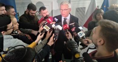 podpisanie listu w sprawie dworca 8 390x205 - Jacek Jaśkowiak: Potrzebne są artykuły ochronne. Tych, które mamy, wystarczy na trzy dni