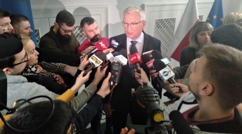 podpisanie listu w sprawie dworca 8 800x445 - Jacek Jaśkowiak: Potrzebne są artykuły ochronne. Tych, które mamy, wystarczy na trzy dni
