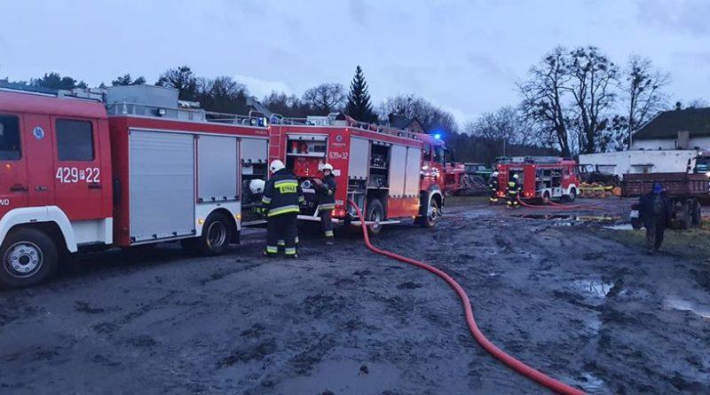 pozar 3 osp kiszkowo 800x445 - Piła: Pożar w Pawłowie Skockim. Spaliła się wiata