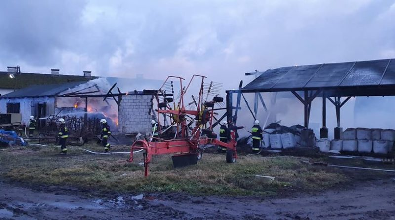 pozar osp kiszkowo 800x445 - Piła: Pożar w Pawłowie Skockim. Spaliła się wiata