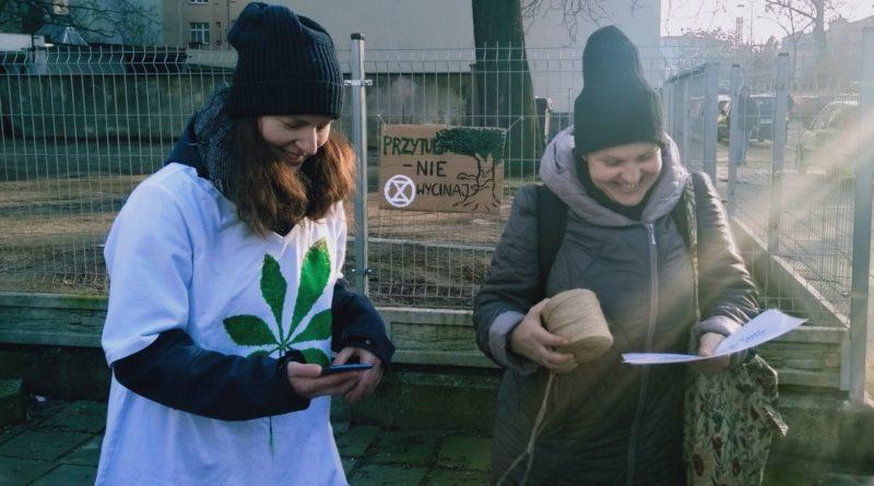 pozegnanie drzewa 2 800x445 - Poznań: Pożegnanie drzewa na Jeżycach