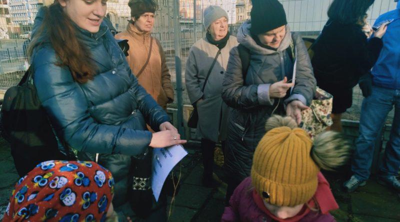 pozegnanie drzewa 3 800x445 - Poznań: Pożegnanie drzewa na Jeżycach