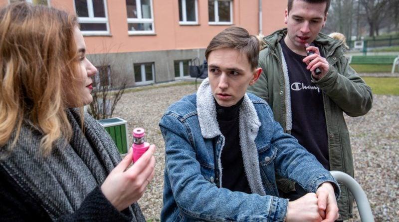 Sanepid e-papierosy 2 fot. P. Robakowski