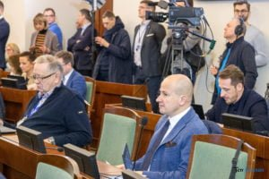 sesja rady miasta poznania 11.02.2020 fot. slawek wachala 5955 300x200 - Poznań: Modlitwa w urzędzie nie pomogła. Radni przyjęli Europejską Kartę Równości
