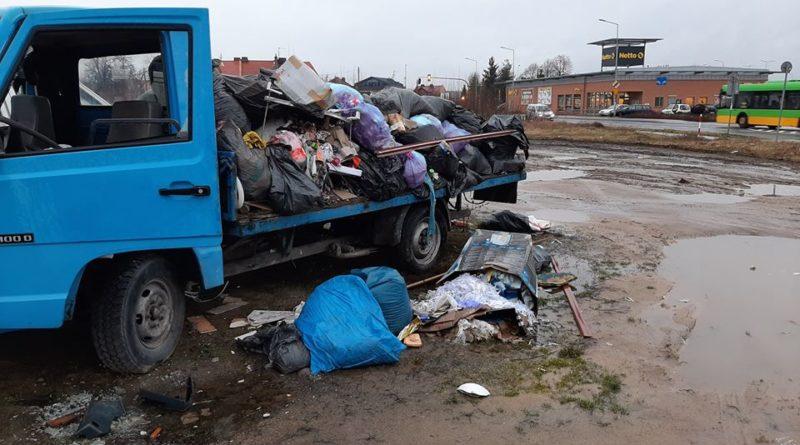 smieci fot. smmp 800x445 - Poznań: Jest wiosna - czas na sprzątanie! Przypominają strażnicy miejscy