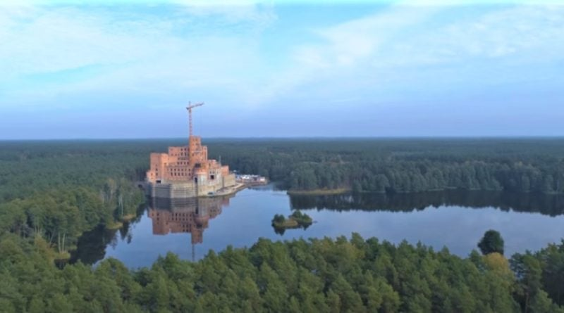 Stobnica zamek fot. YT