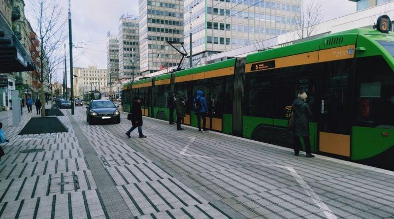 swiety marcin przystanek 3 800x445 - Poznań: Na Świętym Marcinie jest niebezpiecznie! Szczególnie na... przystanku tramwajowym