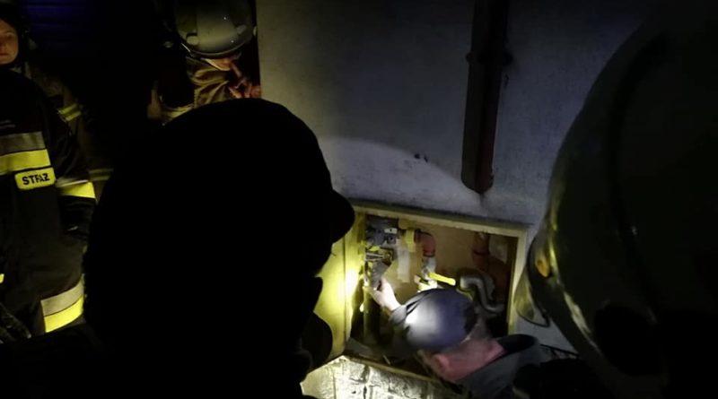 wyciek gazu 2 fot. osp pakoslaw 800x445 - Leszno: Ewakuacja mieszkańców z powodu wycieku gazu