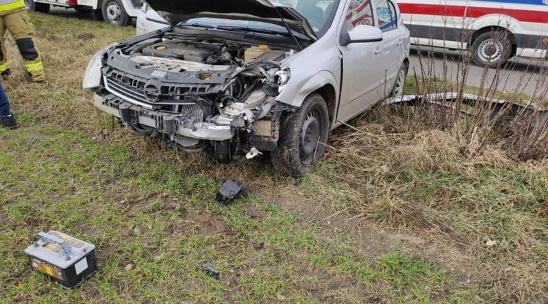 wypadek 2 fot. osp wyszyny 800x445 - Piła: Zderzenie dwóch samochodów pod Chodzieżą