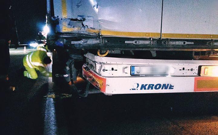 wypadek 3 fot. osp golina 1 720x445 - Konin: Wypadek na A2. Jedna osoba ranna